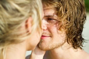 Lockers Auftreten sowie Kuss und Flirt Lernen
