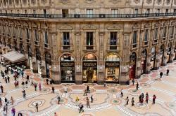 Erfahrungen mit ffm Dreier Swingerdclub Shopping Einkaufszentrum Frauen kennenlernen