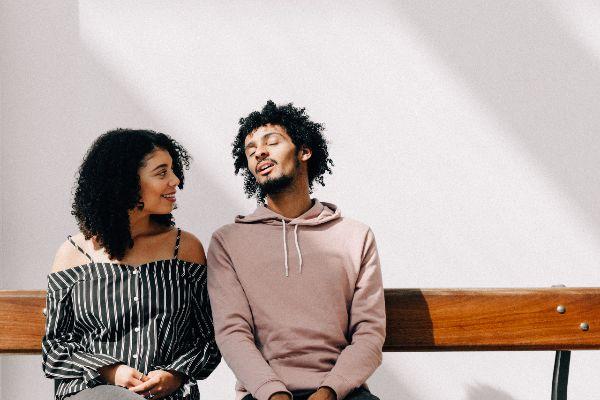 kostenlos flirten Mann will keine Beziehung Freundschaft zwischen Man und Frau entspanntes Kennenlernen Partnersuche Singles kennenlernen Peinlichkeit und Schamgefühl Freundschaft nach Beziehung
