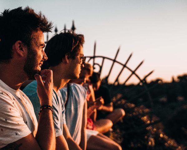 neue Freunde finden Freundschaften pflegen wie finde ich eine Freundin Freundschaften Männerfreundschaft erfülltes Leben