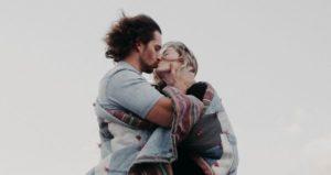 Partner finden Dating Sternzeichen Verliebtheit roße Liebe erstes Date Kuss ist er der Richtige Suche Frau fürs Leben Kussarten offene Zweierbeziehung den Traummann finden mag er mich wirklich ich liebe dich Sprüche wie bringe ich ihn dazu mich zu lieben