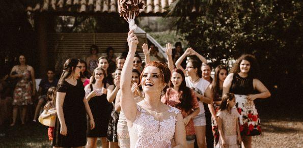 Glückwünsche zur Hochzeit Hochzeitstag Hochzeitstage Liste Themen der Woche Wetten auf die Liebe Hochzeitsbräuche