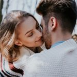 Kuss beim ersten Date – Zu früh oder voll in Ordnung?