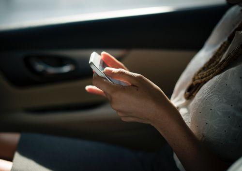 Dating App Handy Knigge netzwerken im Beruf