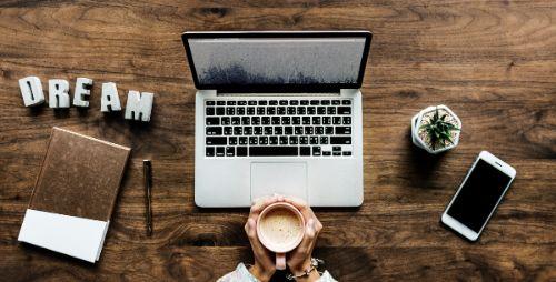 Leserfragen online TV unsterblich verliebt in Arbeitskollegin Workaholic Flirtchat Flirten auf der Arbeit