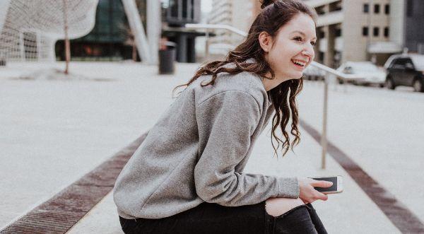 Dating App Smiley Bedeutung App Tinder Finya Kosten Tinder Partnersuche online kostenlos flirten Finya Handy Knigge Flirten im Alltag