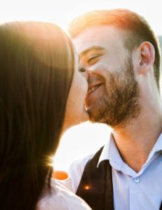 Küssen beim Date beziehung