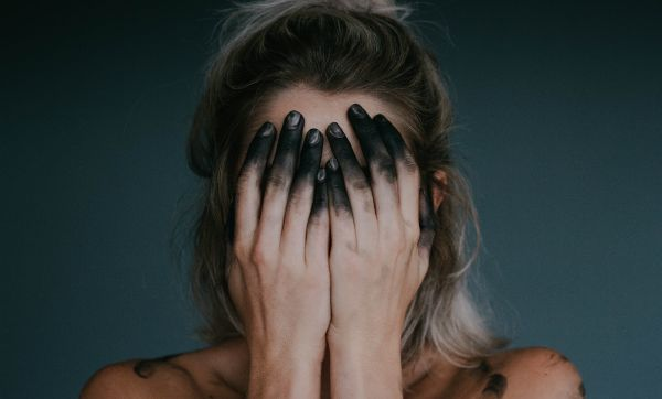 verlassen werden Trennung überstehen Ängste Was ist Liebeskummer gemischte Gefühle Trennung trotz Liebe