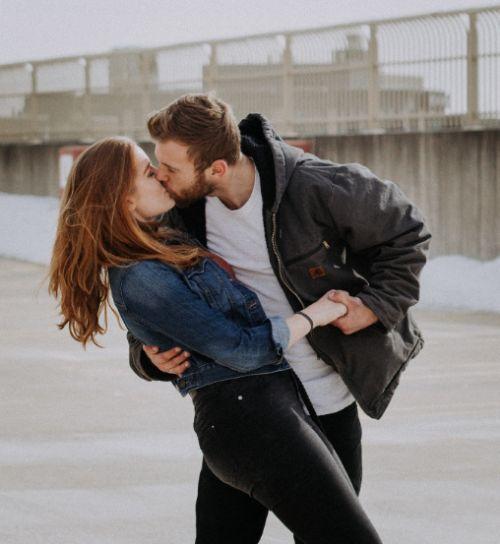 suchen Beziehung eingeschlafen Sternzeichen Familie kennenlernen glückliche Beziehung Überraschung für Freund gesucht erster Kuss Mann gesucht Angst vor erster Beziehung Gut küssen Traumprinz Männer kennenlernen wie geht ein Zungenkuss