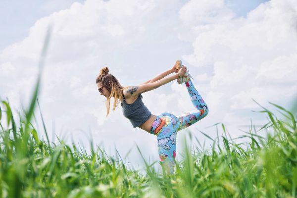 Meditation Gelassenheit lernen Fitnessstudio Frauen