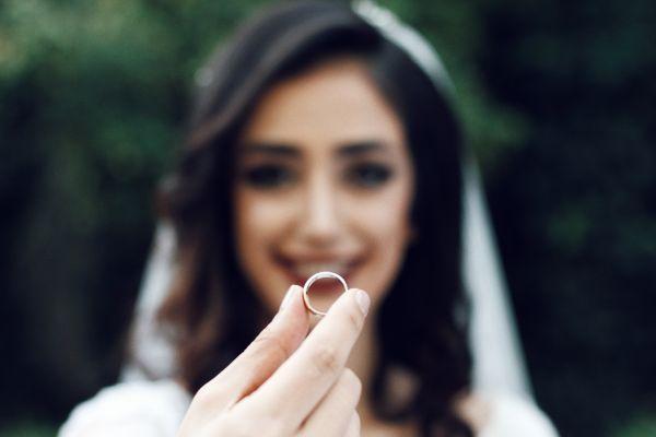 Verlobung Eheringe günstig Hochzeitstag