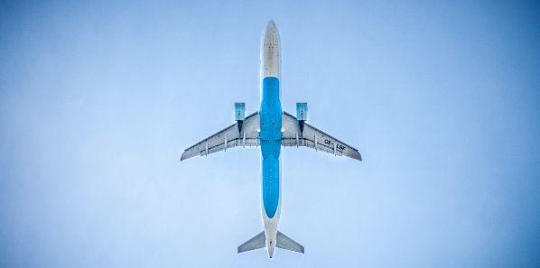 Sex im Flugzeug Flitterwochen