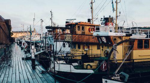die schönsten Date Ideen in Kiel für das erste Kennenlernen beim ersten Treffen am Hafen
