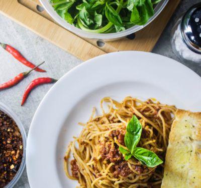 Was essen beim Date und worüber reden zum Kennenlernen