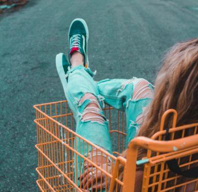 Kaufe alle Vorräte bevor euer Romantik Wochenende stattfindet