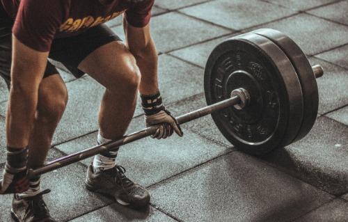 Durch Krafttraining und Muskelaufbau männlicher werden