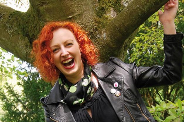 Buchautorin Svea J. Held über ihren aktuellen Roman und ihre neue Kolumne auf FlirtUniversity.de