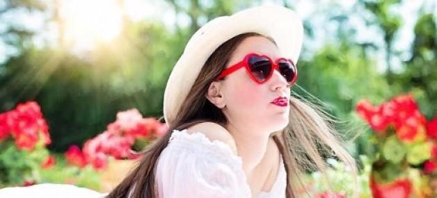 Alles über die rosarote Brille – Macht Liebe wirklich blind?