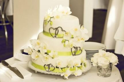 Der neue Trend: Die Hochzeitstorte selber machen!