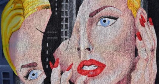 Augenkontakt beim Küssen und Flirten – der Blick in die Seele deines Partners