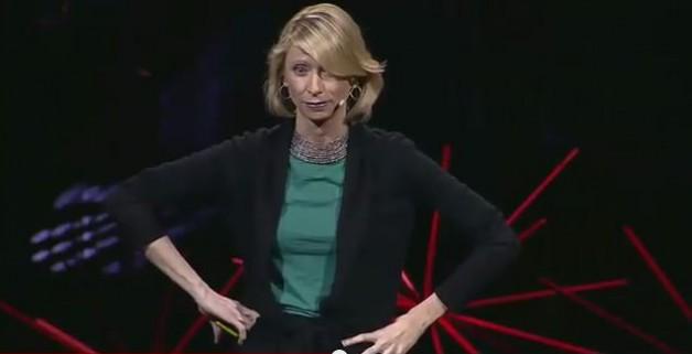 Power Poses steigern dein Selbstbewusstsein in nur 2 Minuten – Neue Körpersprache Studie